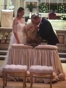 Rudi e Valentina sull'altare