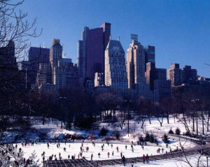 Wollman Rink, la pista di pattinaggio sul ghiaccio a Central Park, New York