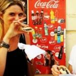 Da un anno porta in giro i turisti a mangiare cibo da strada. E adesso punta al calcio