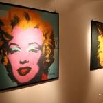 Il vinile è di scena a Catania con i poster autografati da Andy Warhol. Fino al 9 maggio, galleria Studio A
