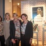 Da Hermès, si fa festa con i busti in cartapesta