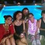 Rendez-vou di Ancelline per i 40 di Viviana Triolo. Pool party coi fiocchi e i fiori…di zucca