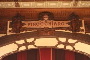 Teatro Finocchiaro La scritta sul boccascena