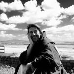 In Terra Madre, del regista Pucci Scafidi, oltre alla voce di Giancarlo Giannini, debutto del bel commercialista Gigi Bruccoleri per amore dell'Isola
