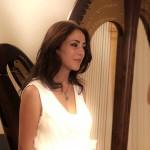 La bella Giorgia Panasci e la sua arpa per la presentazione dei candidati al Premio Puglisi