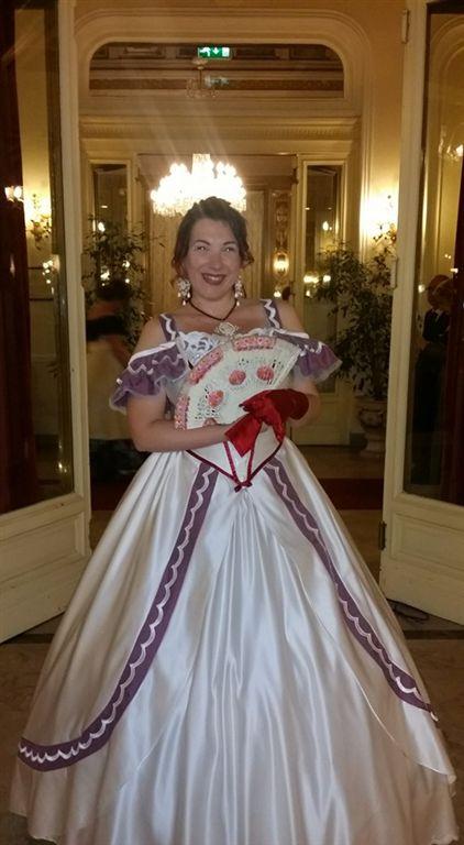 Tra i partecipanti, provenienti da diverse parti d'Italia e da alcune capitali europee, anche la cantante palermitana Daria Biancardi