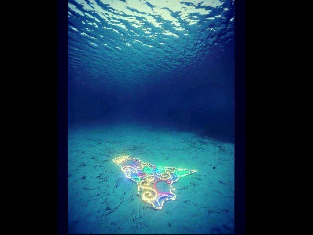 Matrimonio Spiaggia Lampedusa : Follie d artista pellegrino affonda la sicilia e