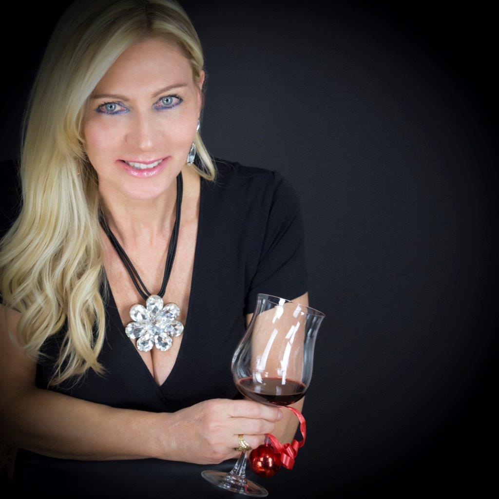 Antonella Cascio indossa il collier Margherita di cristallo con gocce pendenti abbinate