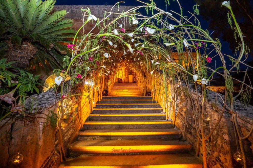 La scalinata di Villa Boscogrande trasformata in un bosco delle favole, in occasione di Wedding Style 2018