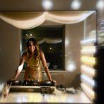 Luisa De Giacomo alla consolle del Gold Party