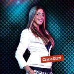 Moda a bordo piscina_la presentatrice Cinzia Gizzi