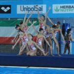 Moda a bordo piscina_la squadra di nuoto sincronizzato Rari Nantes