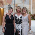 La moglie del festeggiato Silvana Mangano con le sorelle Enza e Mariangela