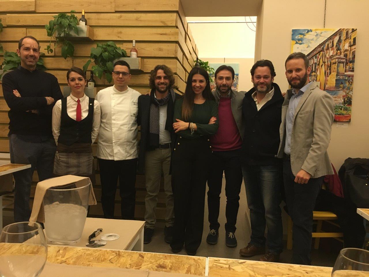 Lo staff della serata di presentazione del nuovo menù di Enosteria Sicula