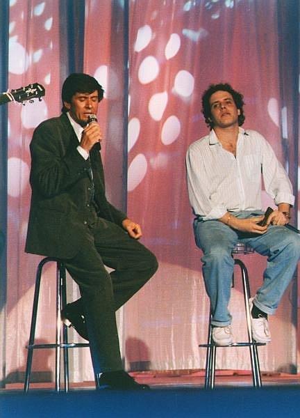 L'armonicista siciliano Giuseppe Milici, giovanissimo con Gianni Morandi