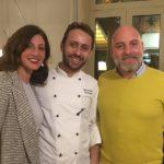 il proprietario Salvo Andò, insieme alla moglie Rosaria Burzotta con lo chef Salvatore Giuliano