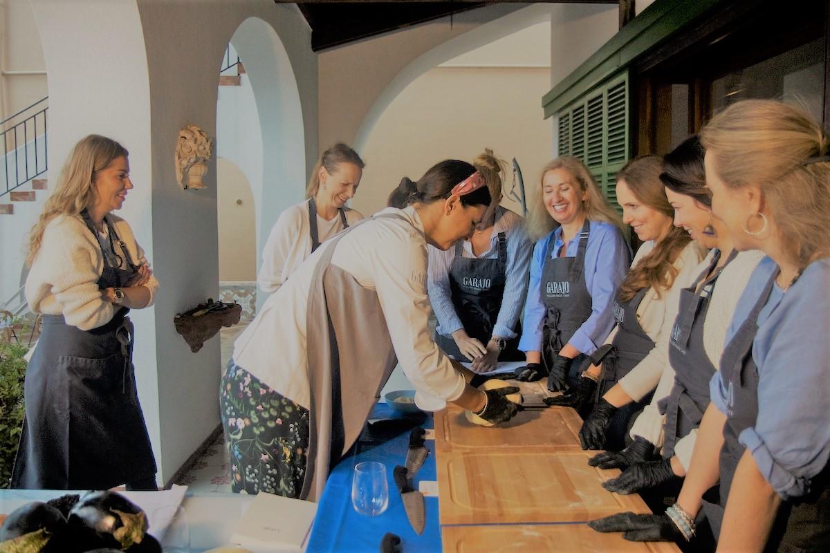La cooking lesson dello chef Gabriella Garajo con le signore russe