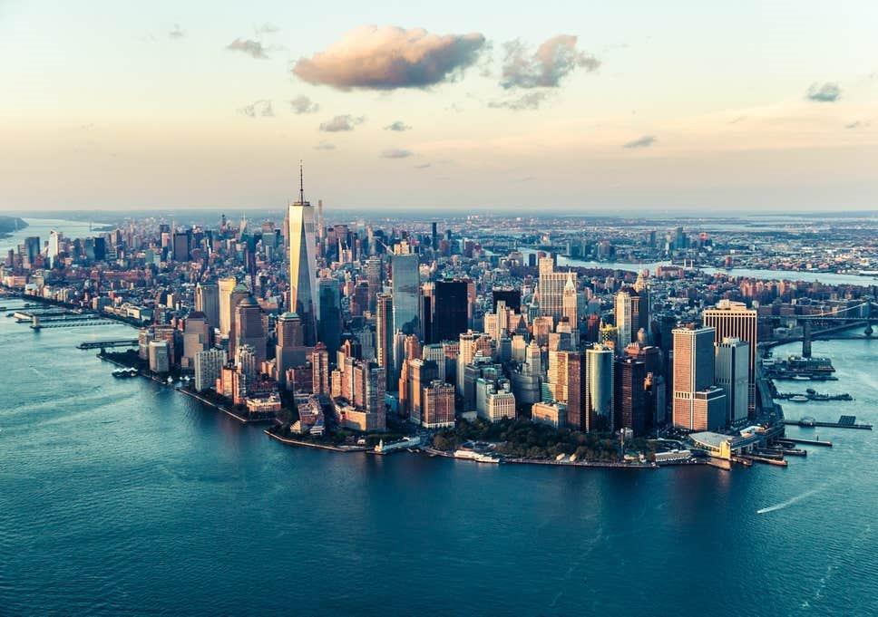 La Doppia Spirale di Massimiliano Cardella è ambientato a New York2