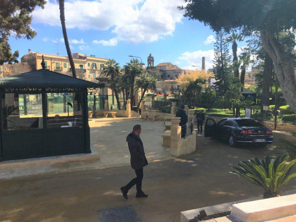 Il giardino di Palazzo D'Orleans su cui affaccia la nuova sala stampa