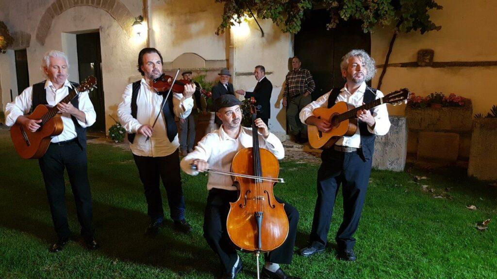 Calandra & Calandra a La Dedica_Serenata Un viu l'ura_Musicisti serenata