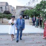 Festa di nozze tra gli alberi secolari per la giornalista Isabella Napoli e Marco Manfrè